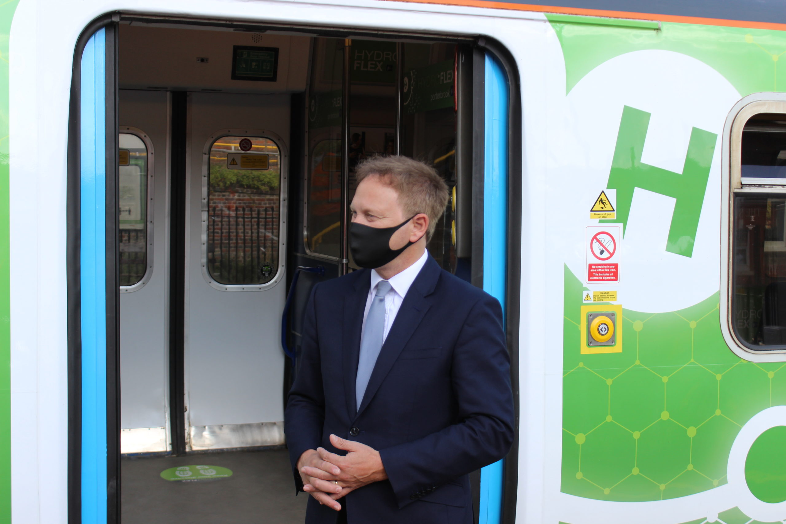 Transport Secretary Grant Shapps MP with HydroFLEX